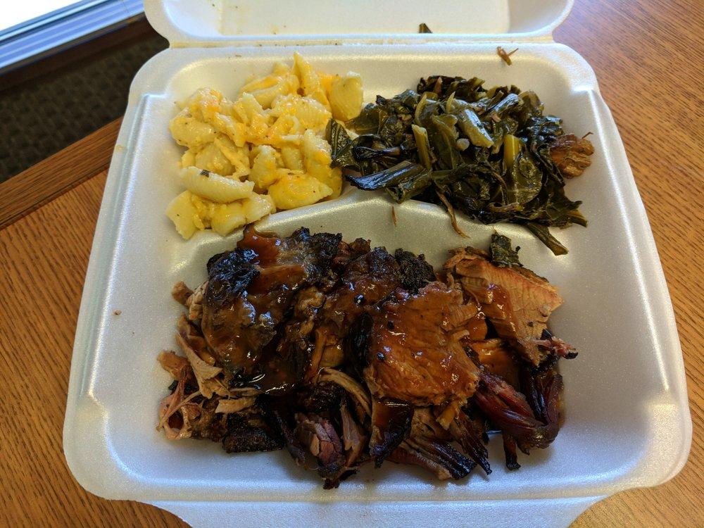 Smokin' Mo's BBQ: 224 N Main St, Alpharetta, GA
