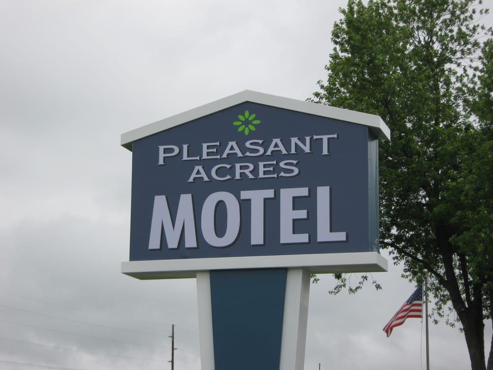 Pleasant Acres of Tomah Llc: 1305 N Superior Ave, Tomah, WI