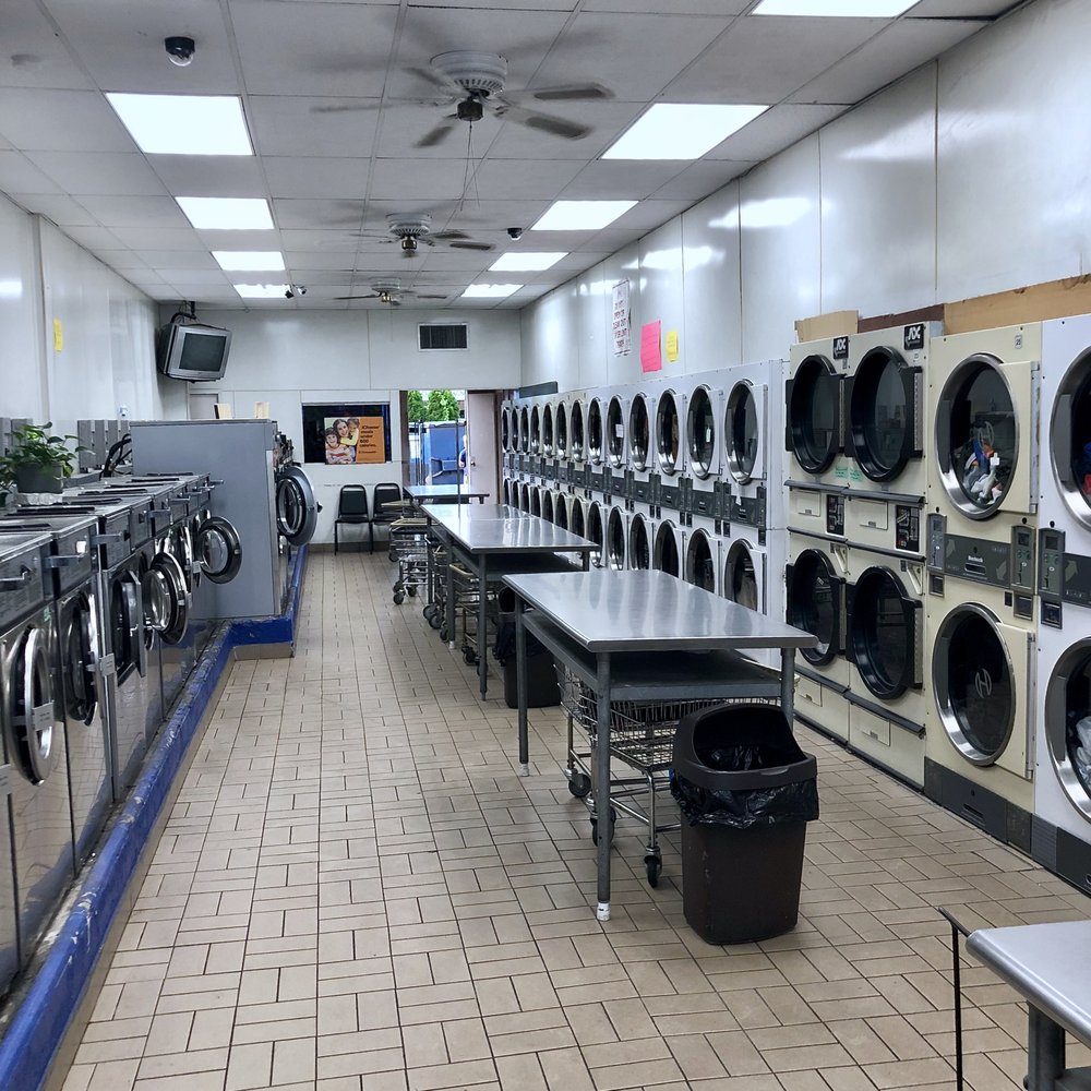 Saxon Laundry: 617 E Main St, Bay Shore, NY