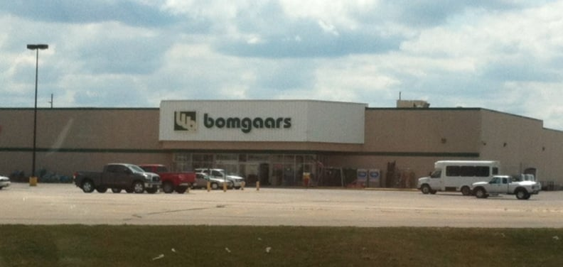 Bomgaars department stores 2201 hwy 71 spirit lake for Bomgaars