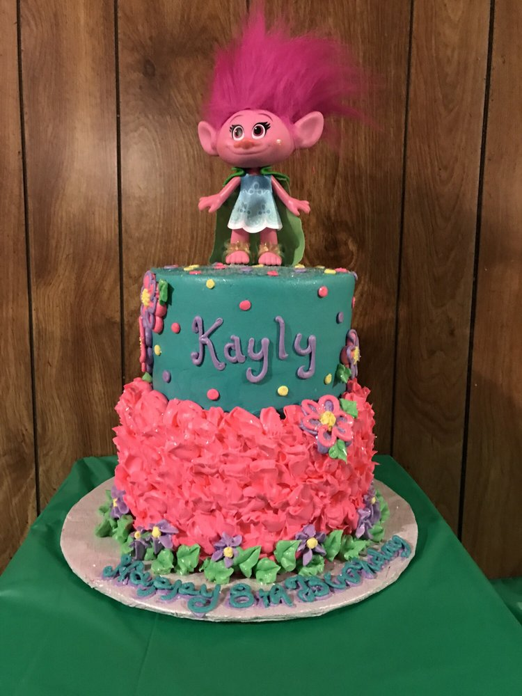 Rumis Made A Beautiful Trolls Cake For My Daughters Birthdayd A