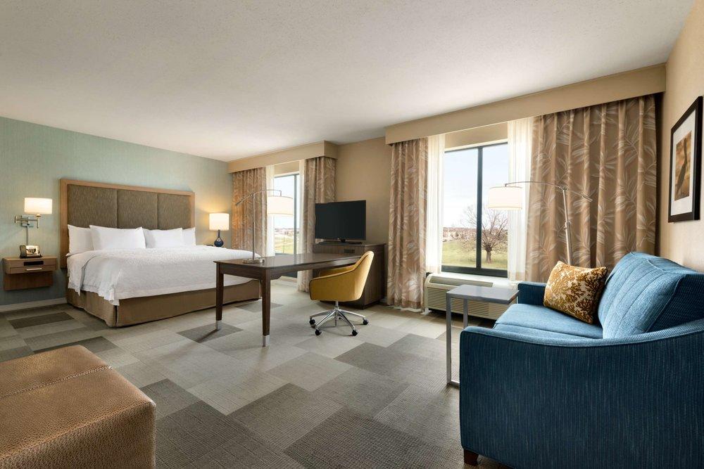 Hampton Inn & Suites Monroe: 5100 Frontage Rd, Monroe, LA