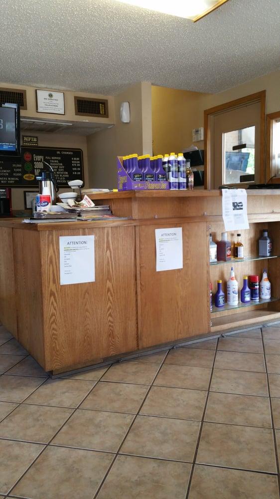 Kwik Kar Oil & Lube: 917 S Jefferson Ave, Mount Pleasant, TX
