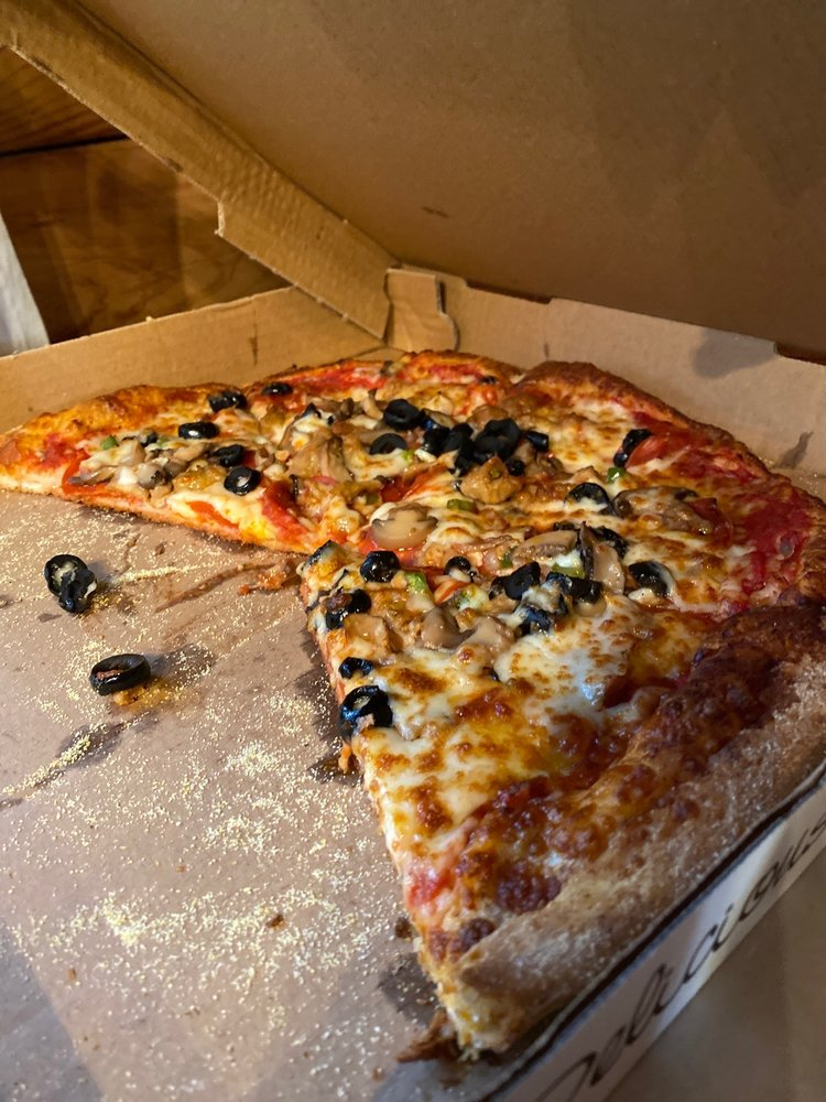 Bridge Towne Pizza And Subs: 505 D St, New Bern, NC