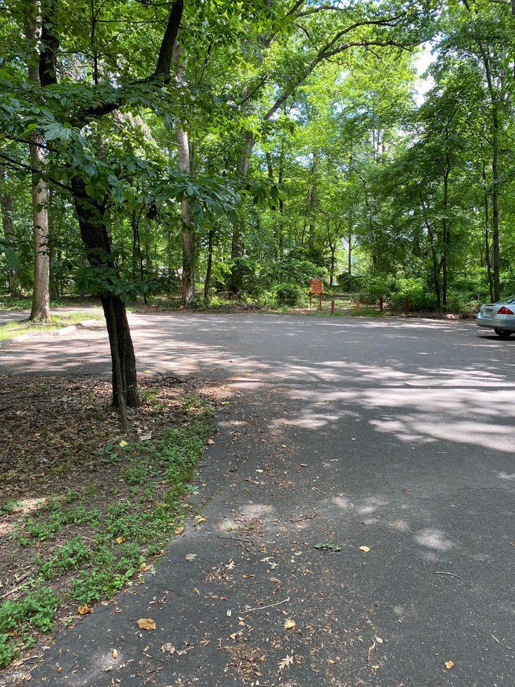 Dunn Loring Park: 2502 Gallows Rd, Dunn Loring, VA