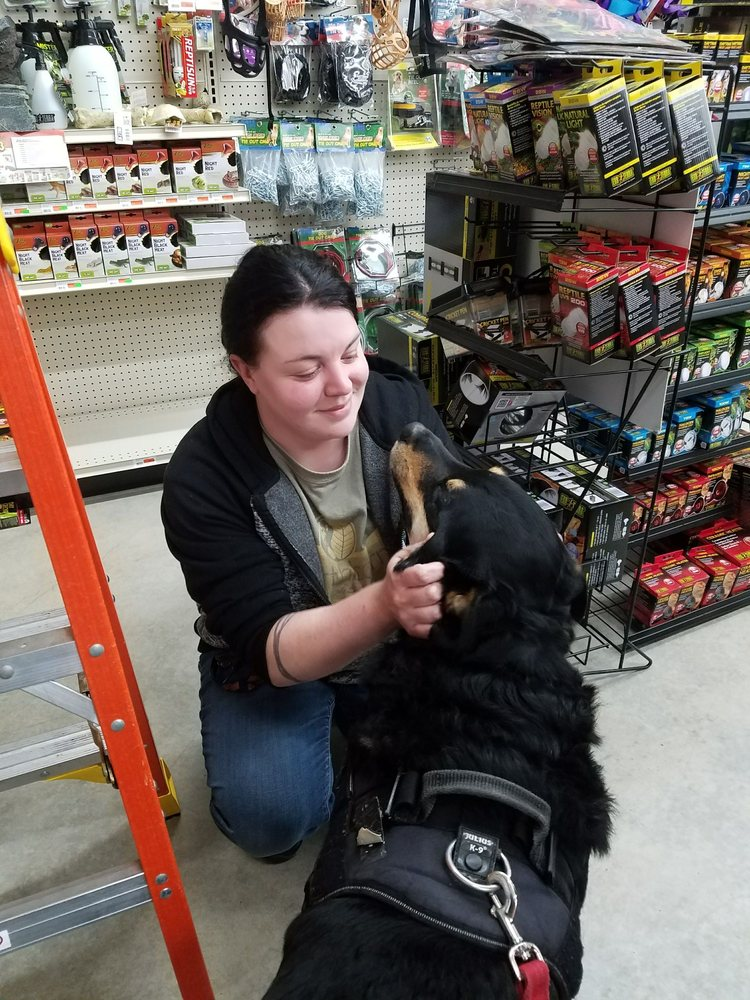 Mini Pet Mart: 815 S Broadway, Coos Bay, OR