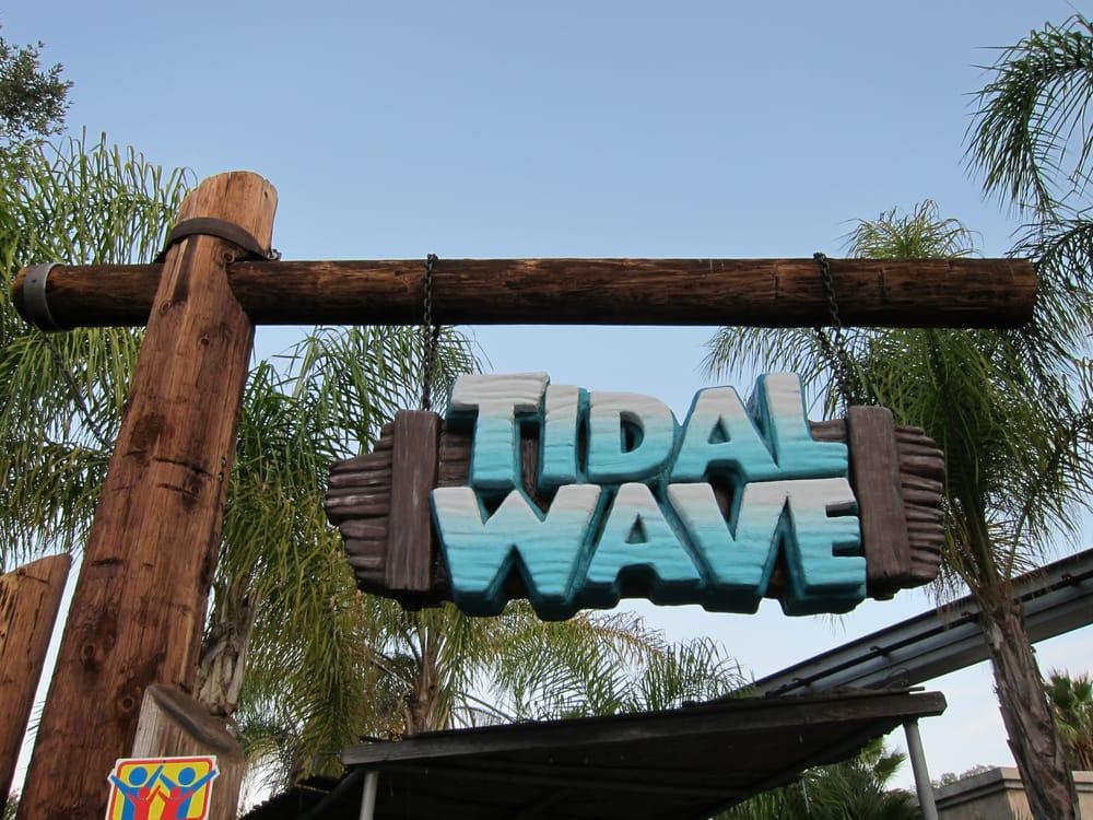 Tidal Wave: 26101 Magic Mountain Pkwy, Valencia, CA