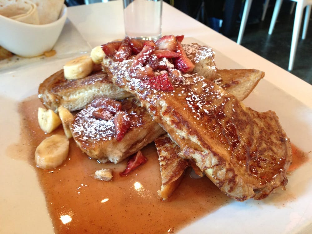 challah french toast - with fresh strawberries and sautéed ...