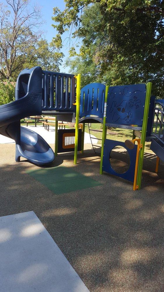 East End Park: 463 Schiller Ave, Elmhurst, IL
