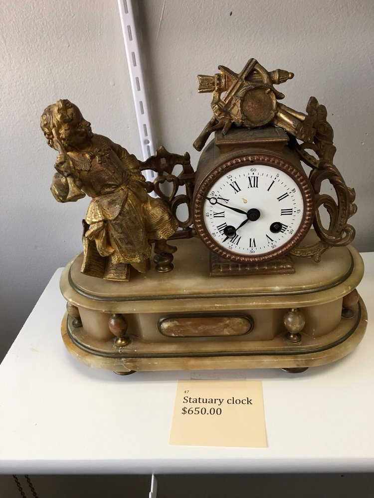 Kessler's Clock: 160 E Chestnut St, Burlington, WI