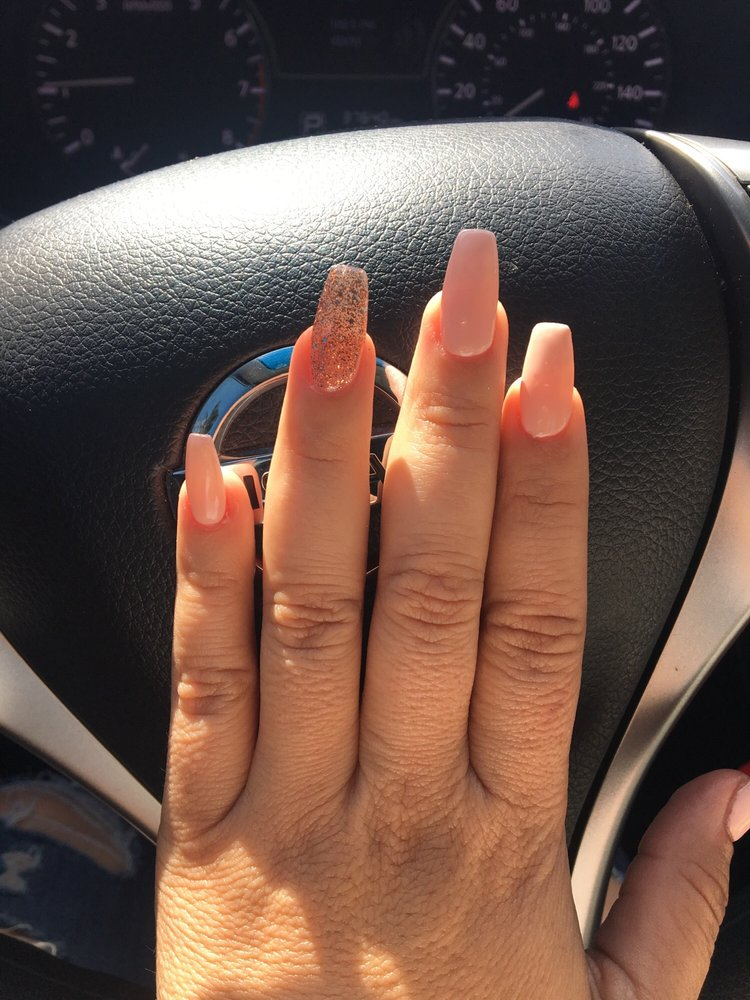 Tulip Nails: 389 Salinas St, Salinas, CA