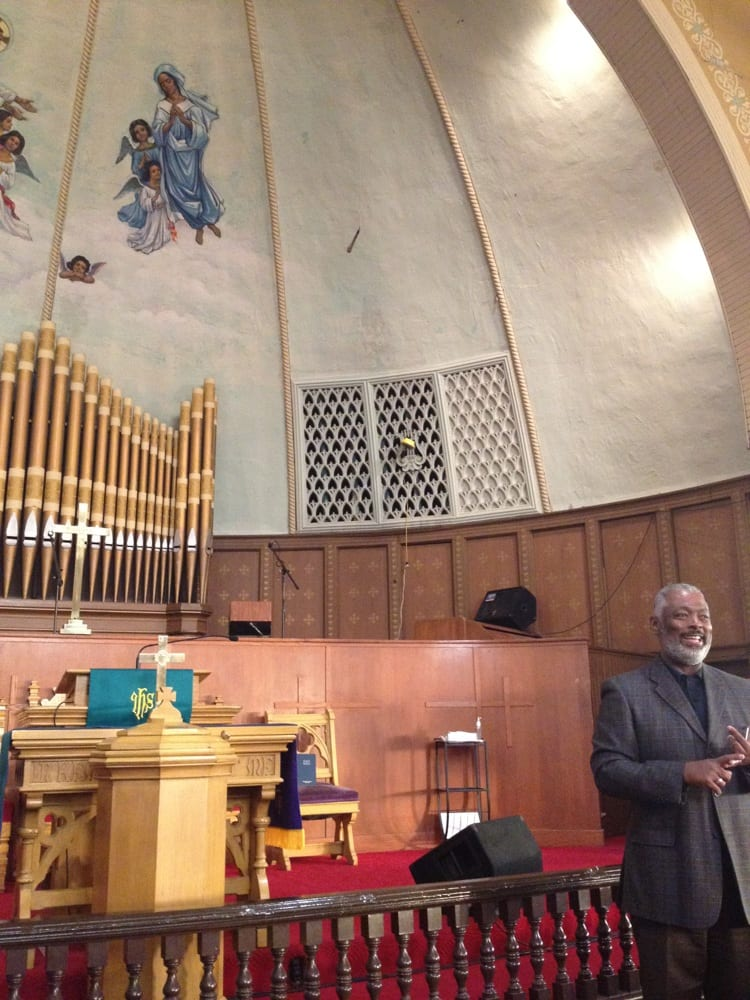 Quinn Chapel African Methodist Church: 2401 S Wabash Ave, Chicago, IL
