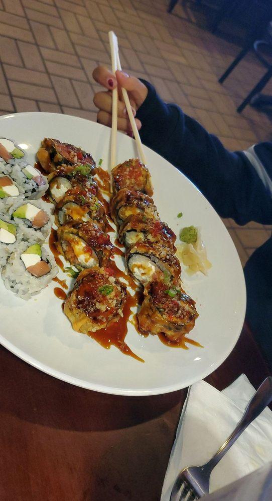 Tokyo Sushi and Hibachi: 121 Cimarron Trl, Guthrie, OK