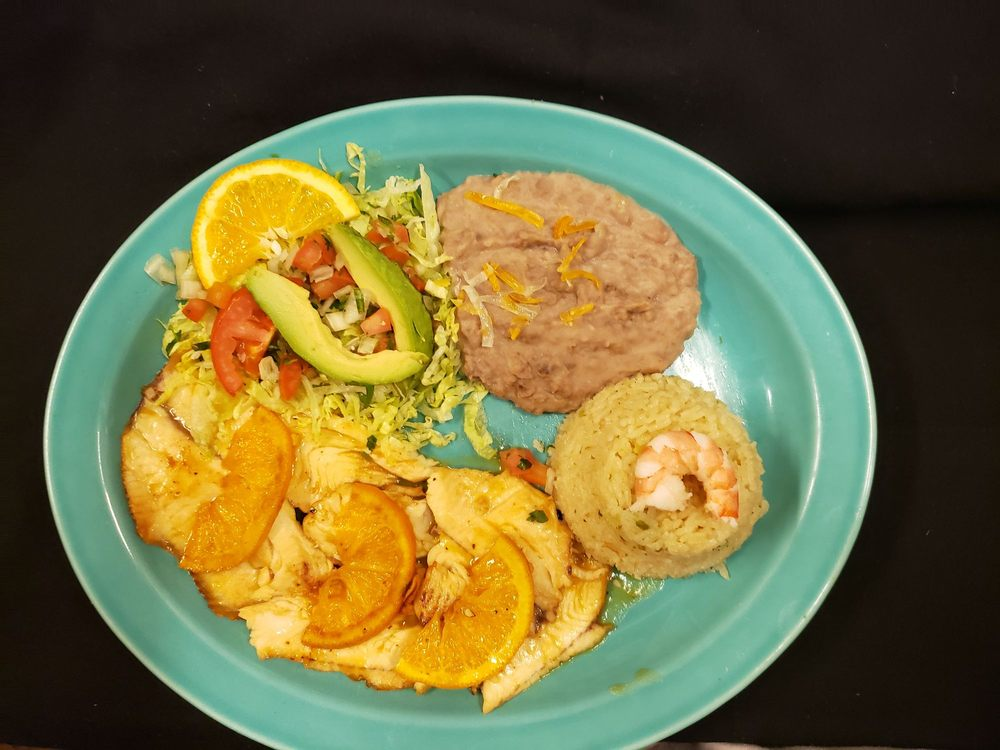 El Nopal Mexican Grill and Seafood: 315 NW 11th St, Hermiston, OR