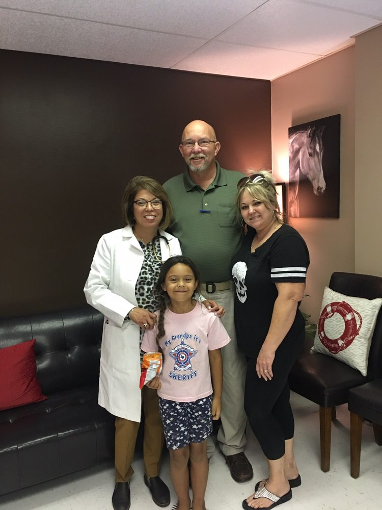 Beeville Medical Clinic: 301 S Hillside Dr, Beeville, TX