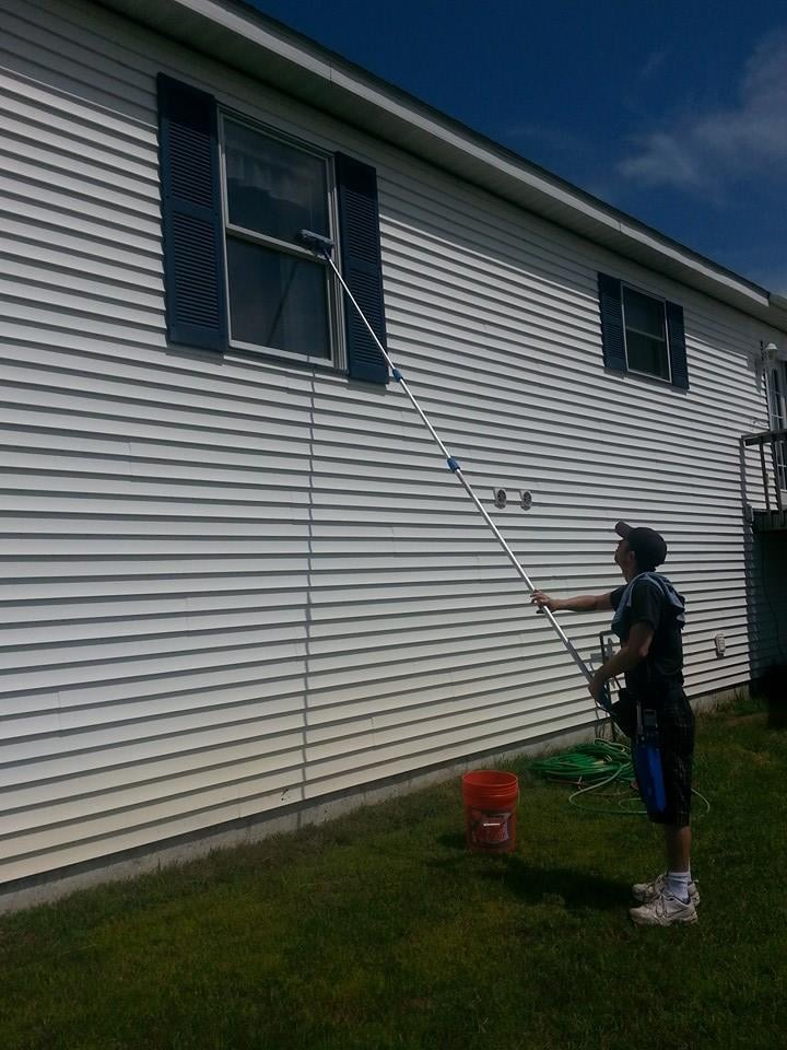 Luke at that Glass Window Washing: 1821 Valley View Rd, Boyne Falls, MI