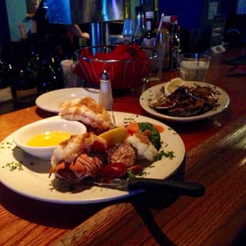 Photo Of Tuna S Seafood Restaurant North Miami Beach Fl United States Twin