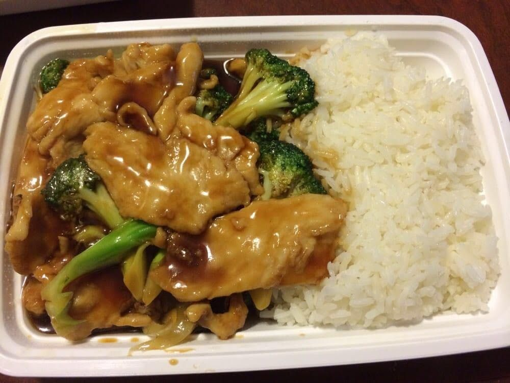 My go to dish from chinese place chicken and broccoli looking fresh photo of yummy yummy chinese food bridgeport ct united states my go forumfinder Image collections