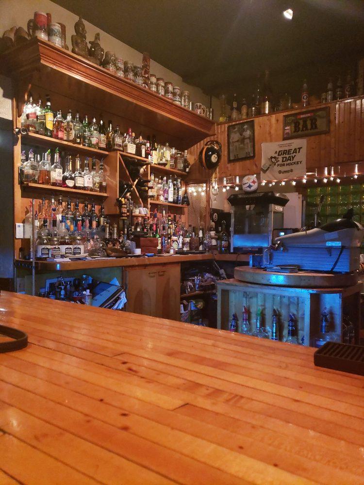 Barto's Lounge: 859 5th Ave, Coraopolis, PA