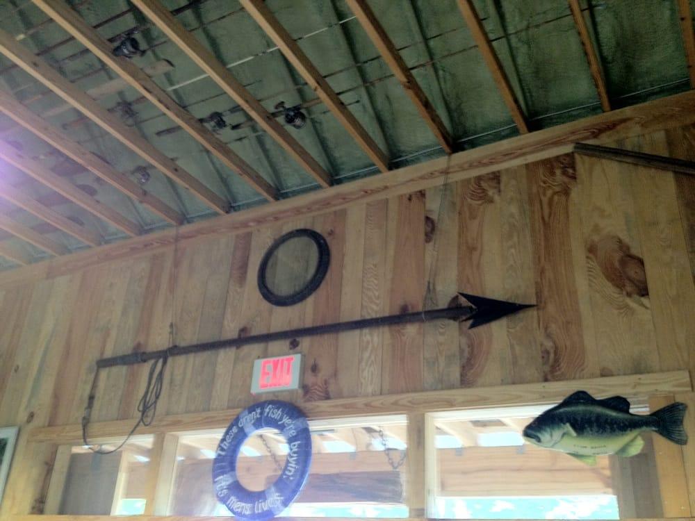 Whitehouse Seafood: 1382 Harrietts Bluff Rd, Woodbine, GA
