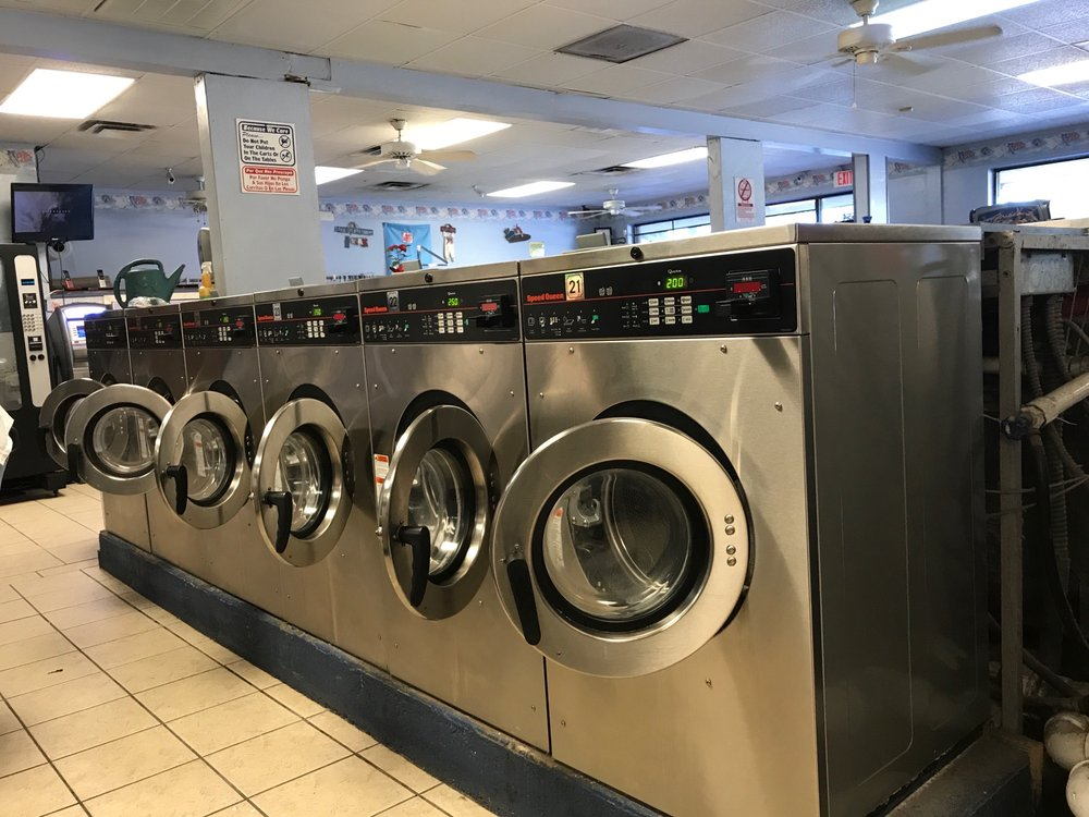 Laundry Room of Riverview: 10650 US Hwy 301 S, Riverview, FL