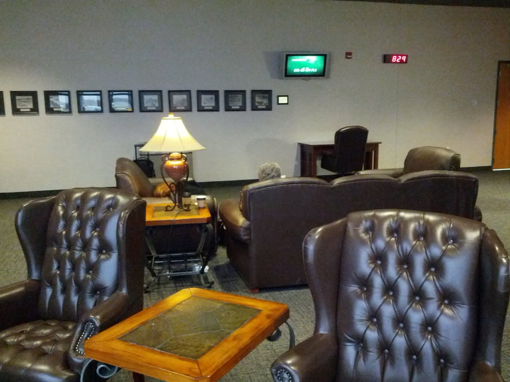 SkyBox Lounge: 2077 Airport Dr, Green Bay, WI