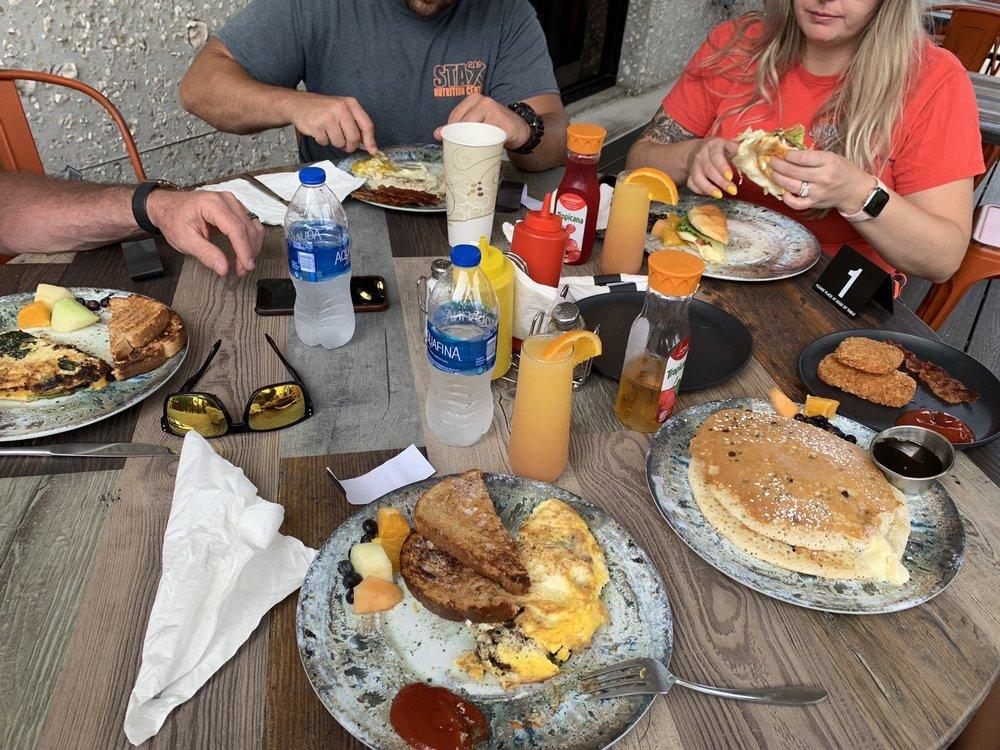 Moochie's Soup & Sandwich Shop: 102 Marsh Harbour Pkwy, Kingsland, GA