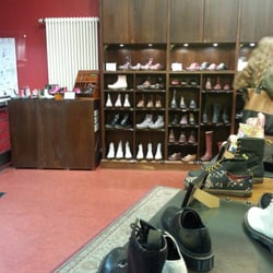 dr martens store 16 reviews shoe stores dircksenstr. Black Bedroom Furniture Sets. Home Design Ideas