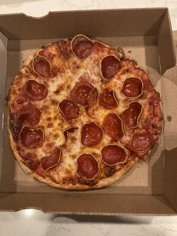 Maxwell's Pizza: 600 Lincoln Ave, Bellevue, PA