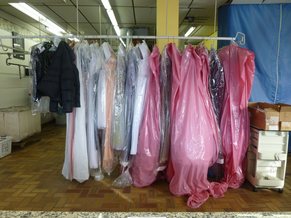 Jan's Professional Dry Cleaners: 130 Griffes St, Clio, MI