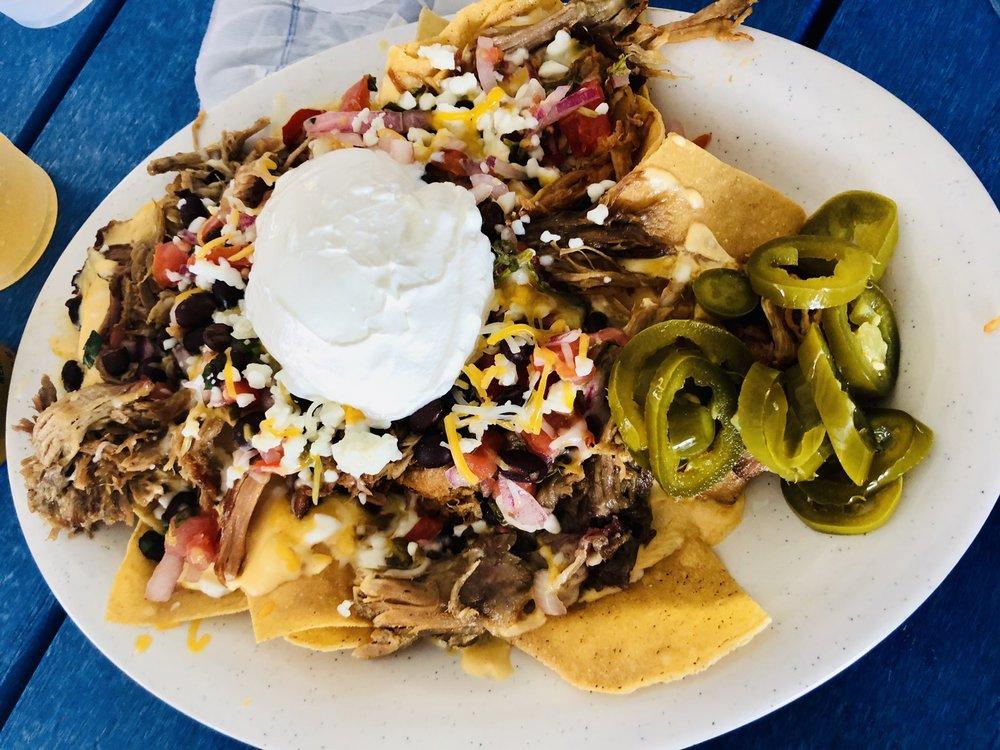 Lake House Bar And Grill: 3401 Bay Commoms Dr, Bonita Springs, FL