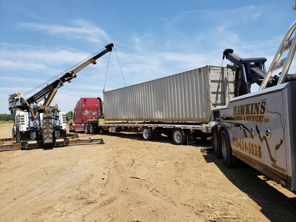 Towing business in Pleasanton, TX