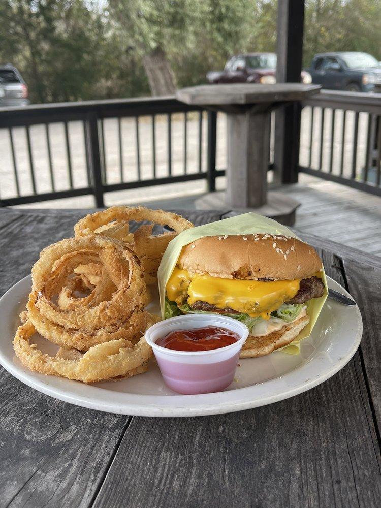 The Yellow Retriever Pub & Grill: 19743 Fm 1488 Rd, Magnolia, TX