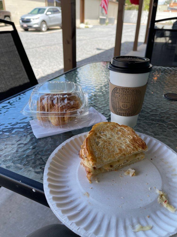 Arizona Mountain Coffee: 1425 E White Mountain Blvd, Pinetop-Lakeside, AZ