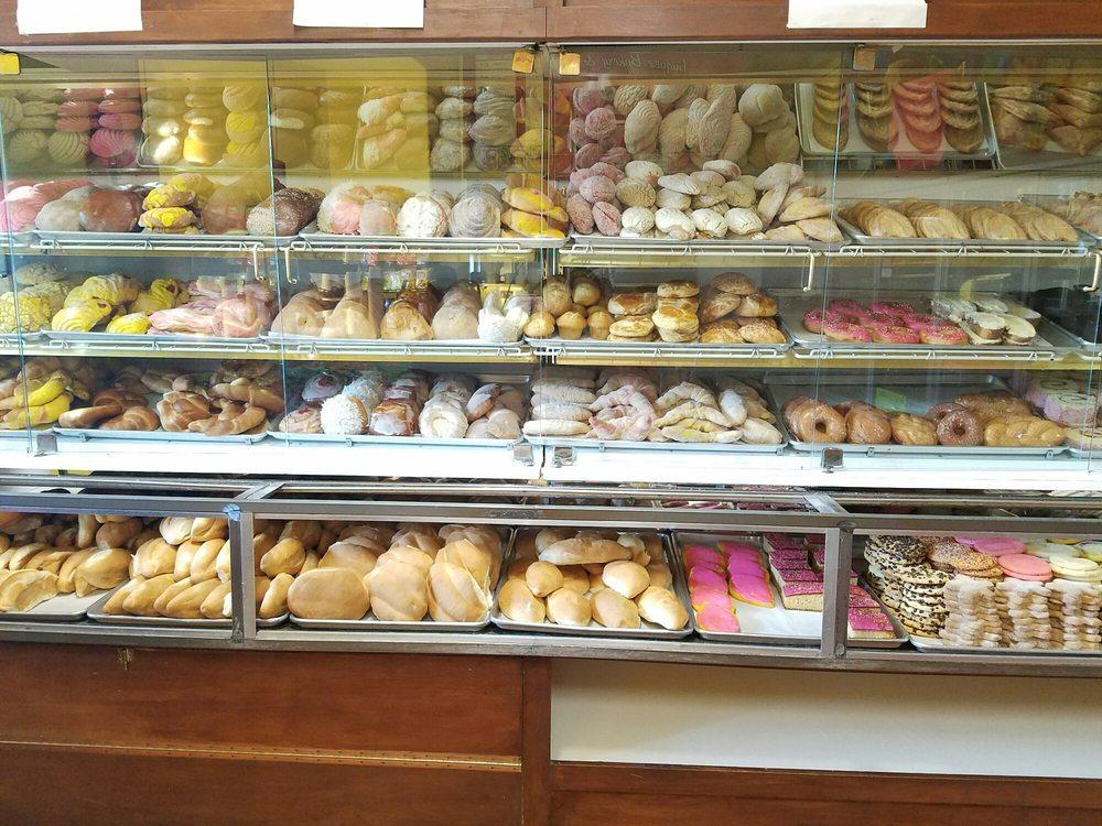 Iniguez Bakery & Deli
