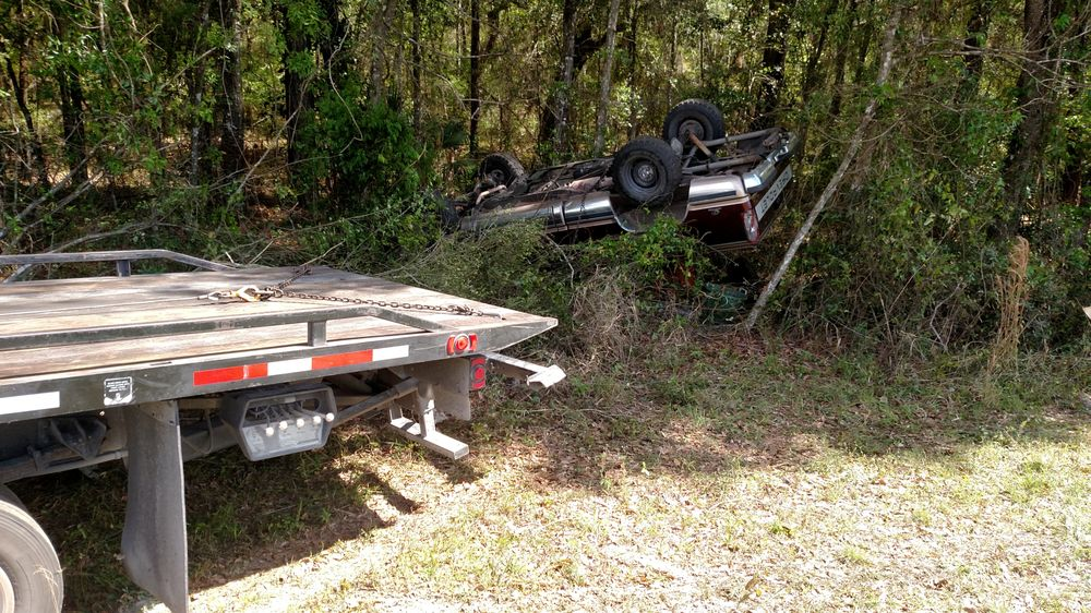 Tri-County Towing & Recovery: 13950 NW Hwy 19, Chiefland, FL