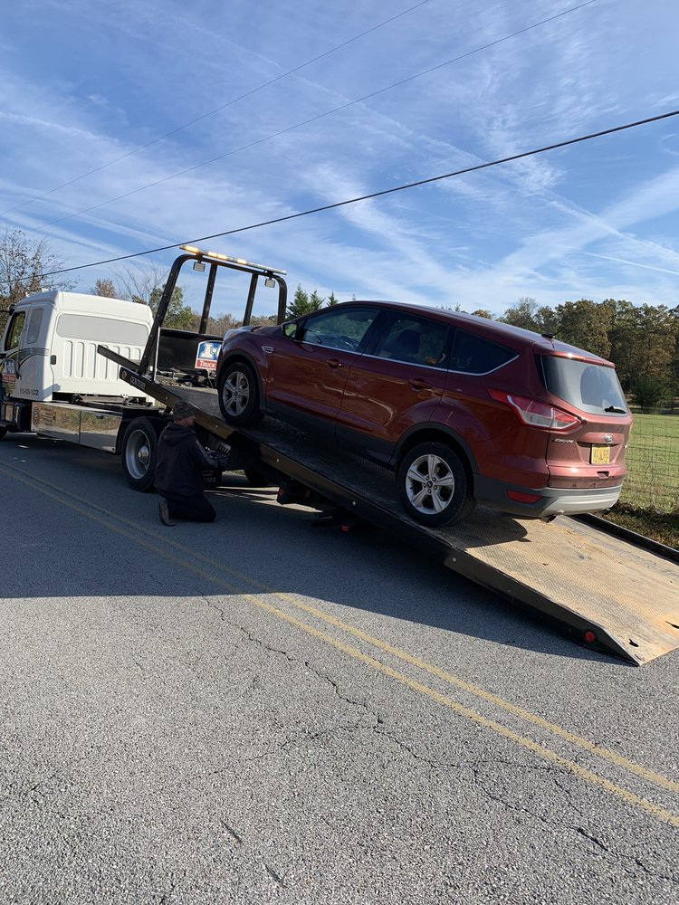 Photo of I-40 Truck Repair: Dickson, TN
