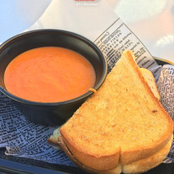 ãJolly Holiday Combo Toasted Cheese Sandwich with Tomato Basil Soup $9.99ãã®ç»åæ¤ç´¢çµæ