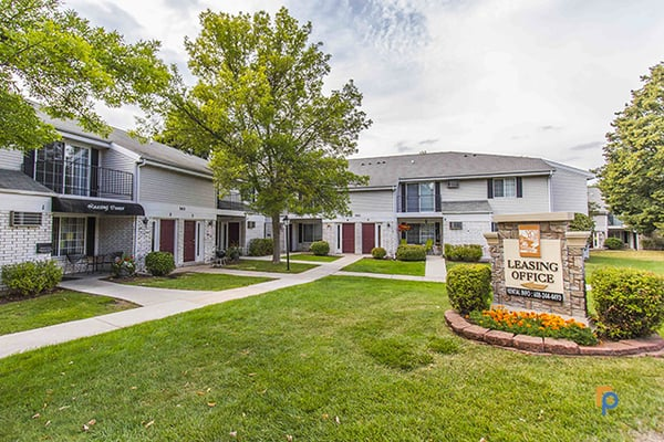 Stonewood Village Apartments 302 Parkwood Ln Madison, WI ...