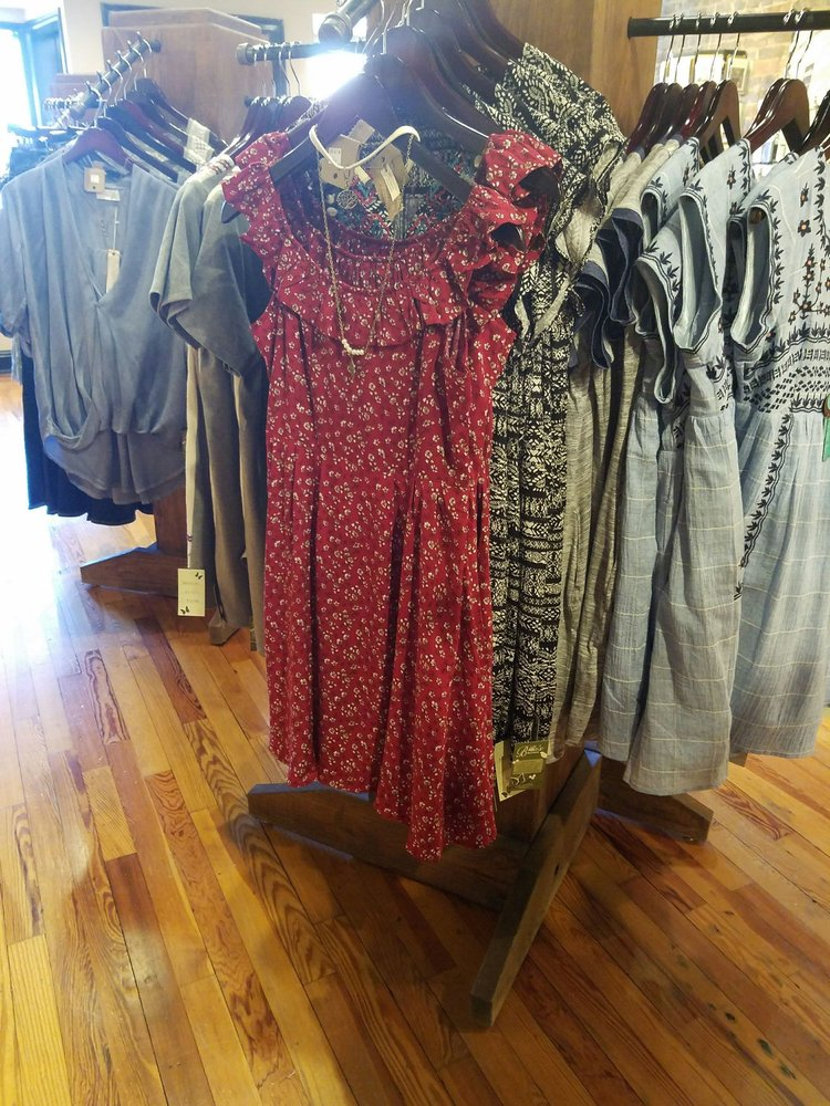 Bella's Boutique: 109 S Church St, Murfreesboro, TN