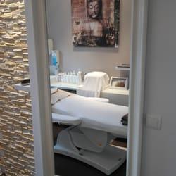 kosmetikstudio bleibsch n 14 fotos kosmetikstudio hautpflege eckenheimer landstr 285. Black Bedroom Furniture Sets. Home Design Ideas