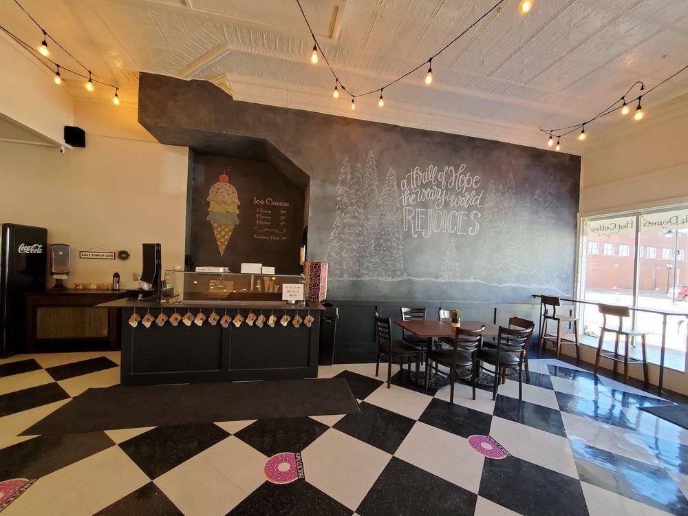 Bricktown Bakery: 1105 6th St, Nevada, IA