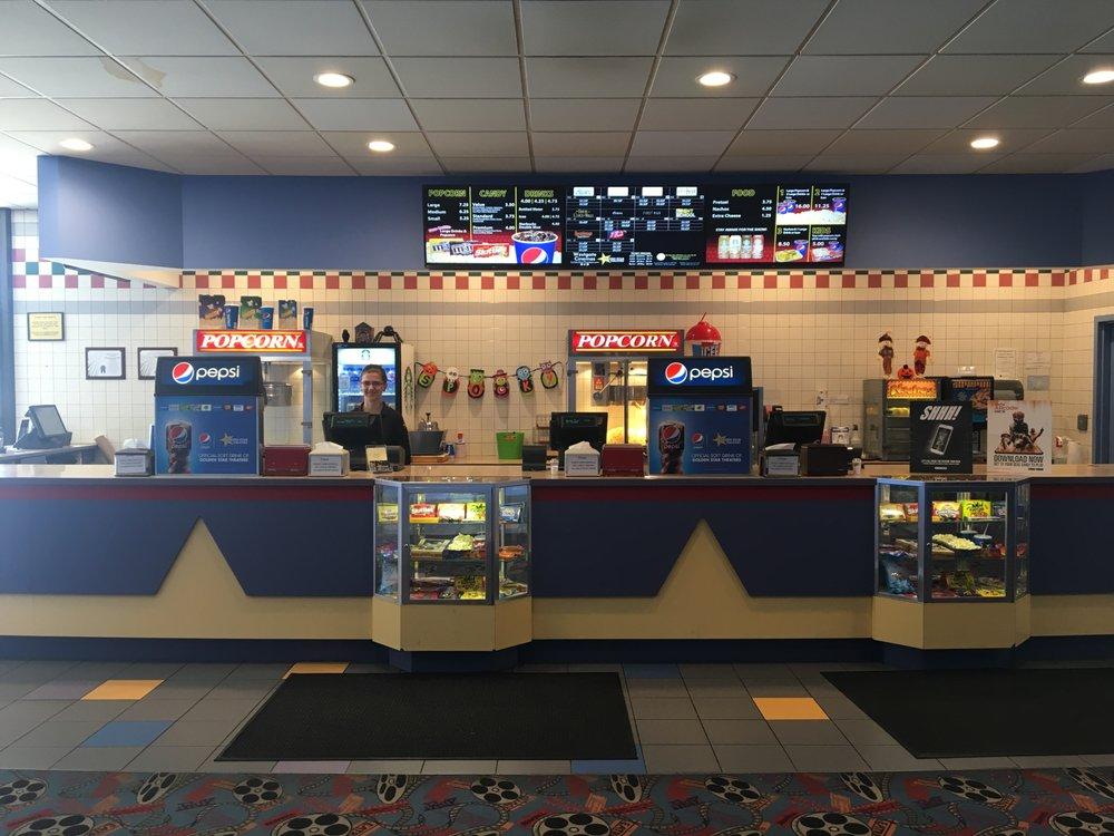 Westgate Cinemas: 2000 W State St, New Castle, PA