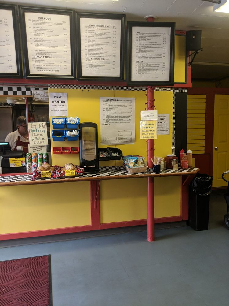 Franz's Food: 46 Main St, Durham, NH
