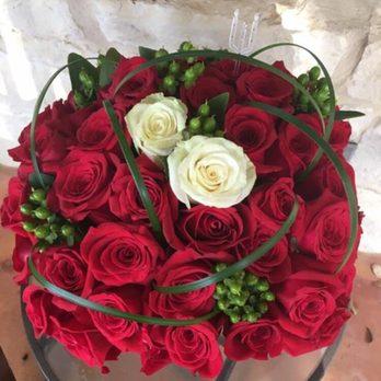 The Flower Shop 19 Photos Florists 437 S Main St Boerne Tx