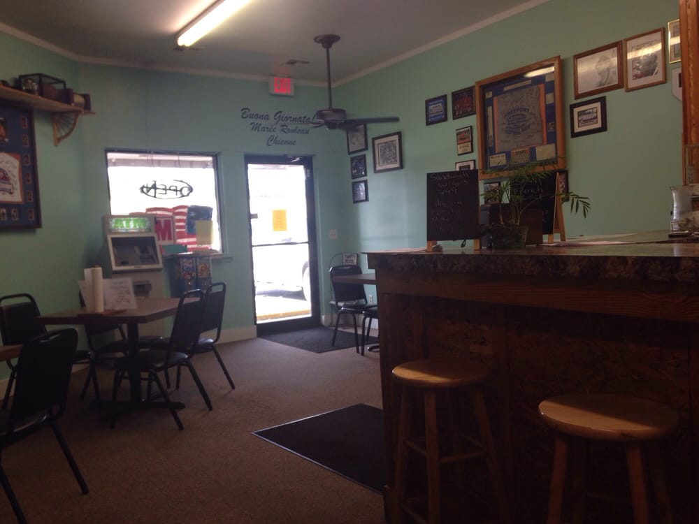 L C's Pizza & Subs: 901 State Hwy 20 E, Freeport, FL