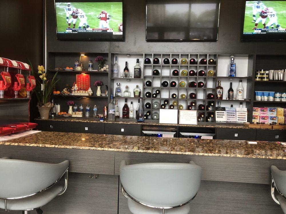 Envy Nail Bar: 4546 Poplar Ave, Memphis, TN
