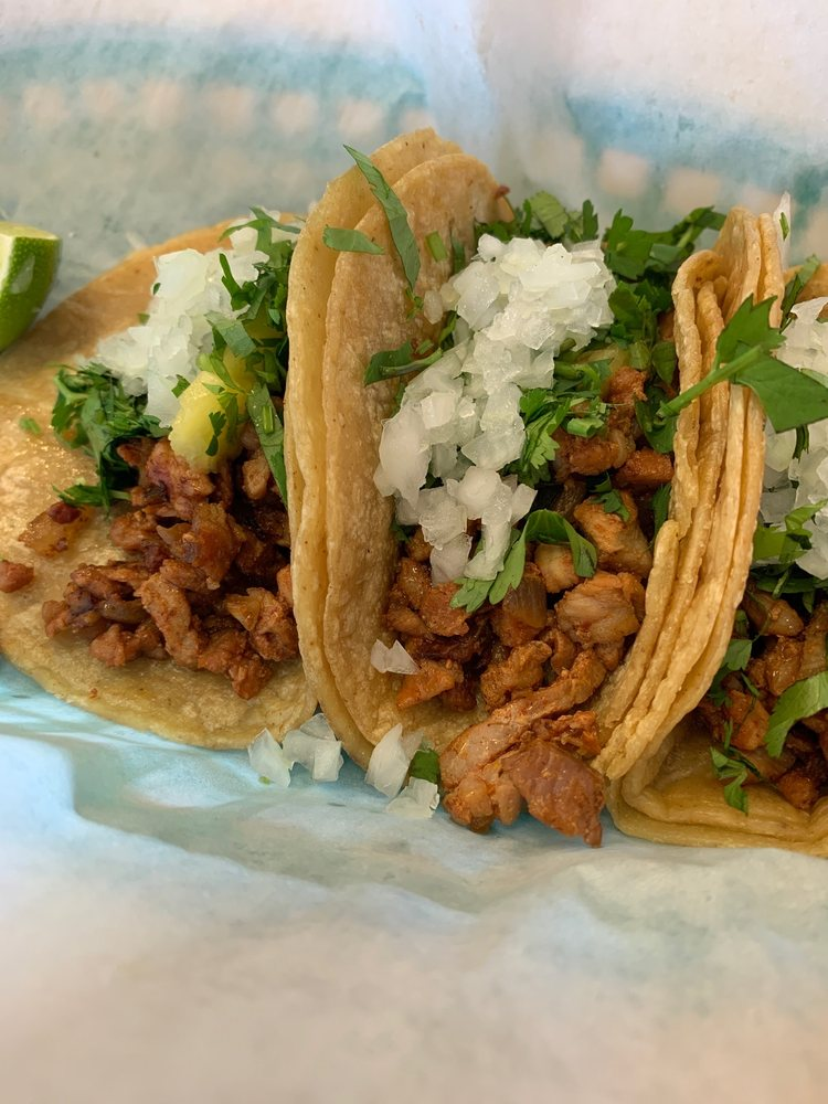 Perico's Fast Tacos: 4203 N Sterling Ave, Peoria, IL