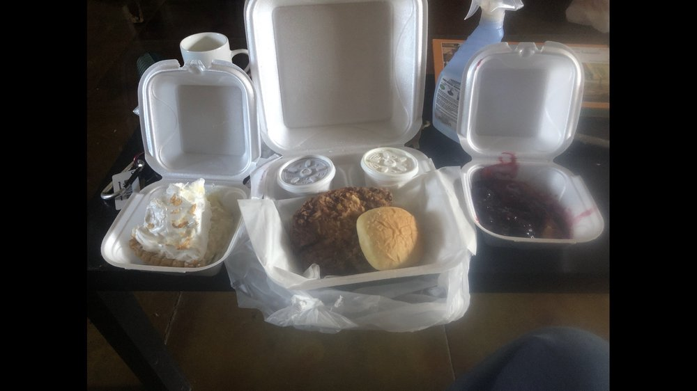 Earl's Diner: 601 E Pine St, Poplar Bluff, MO