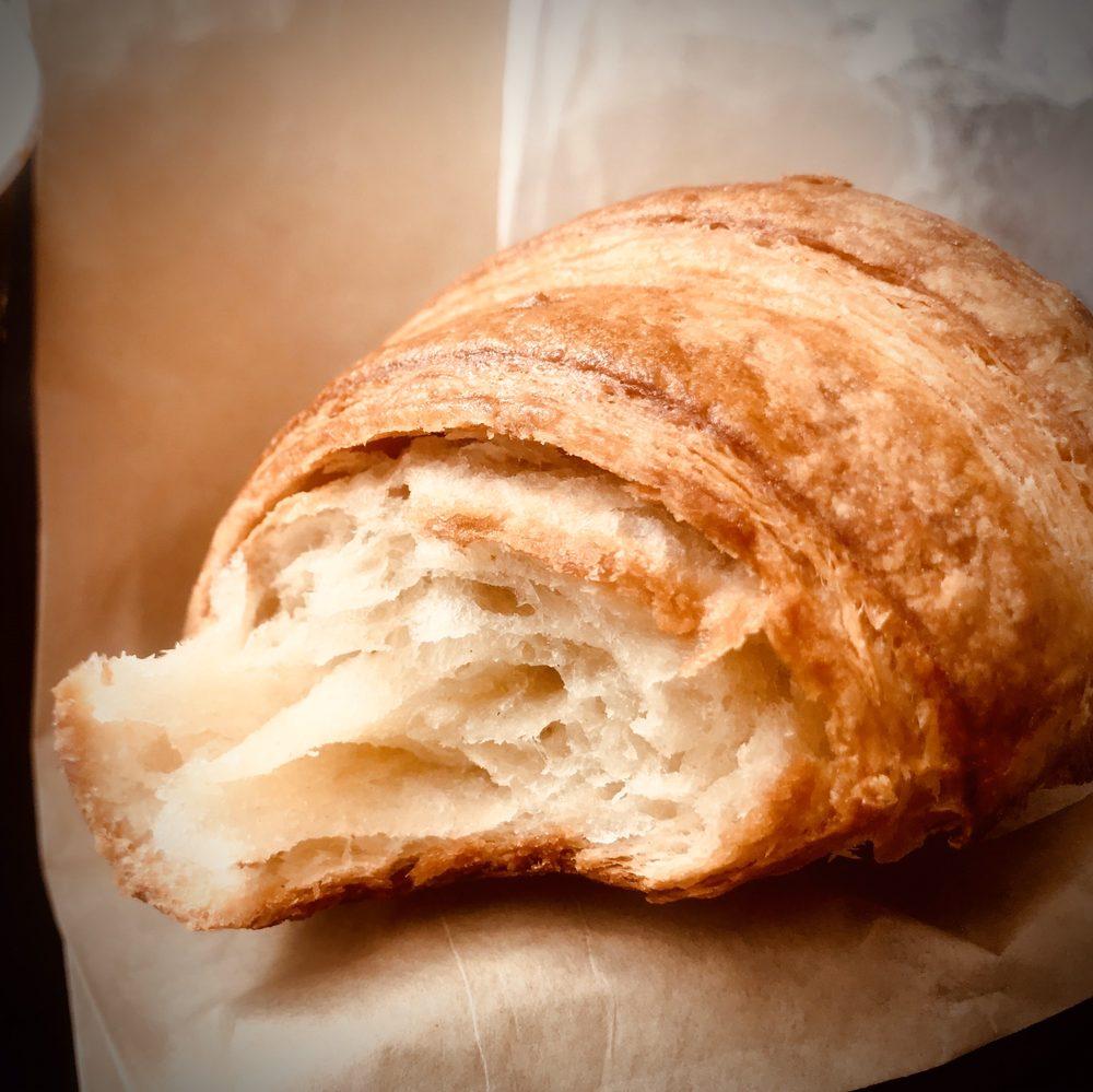 BouNom Café & Bakery: 136 Simsbury Rd, Avon, CT